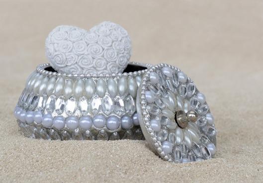 jewelry-box-2093009_960_720